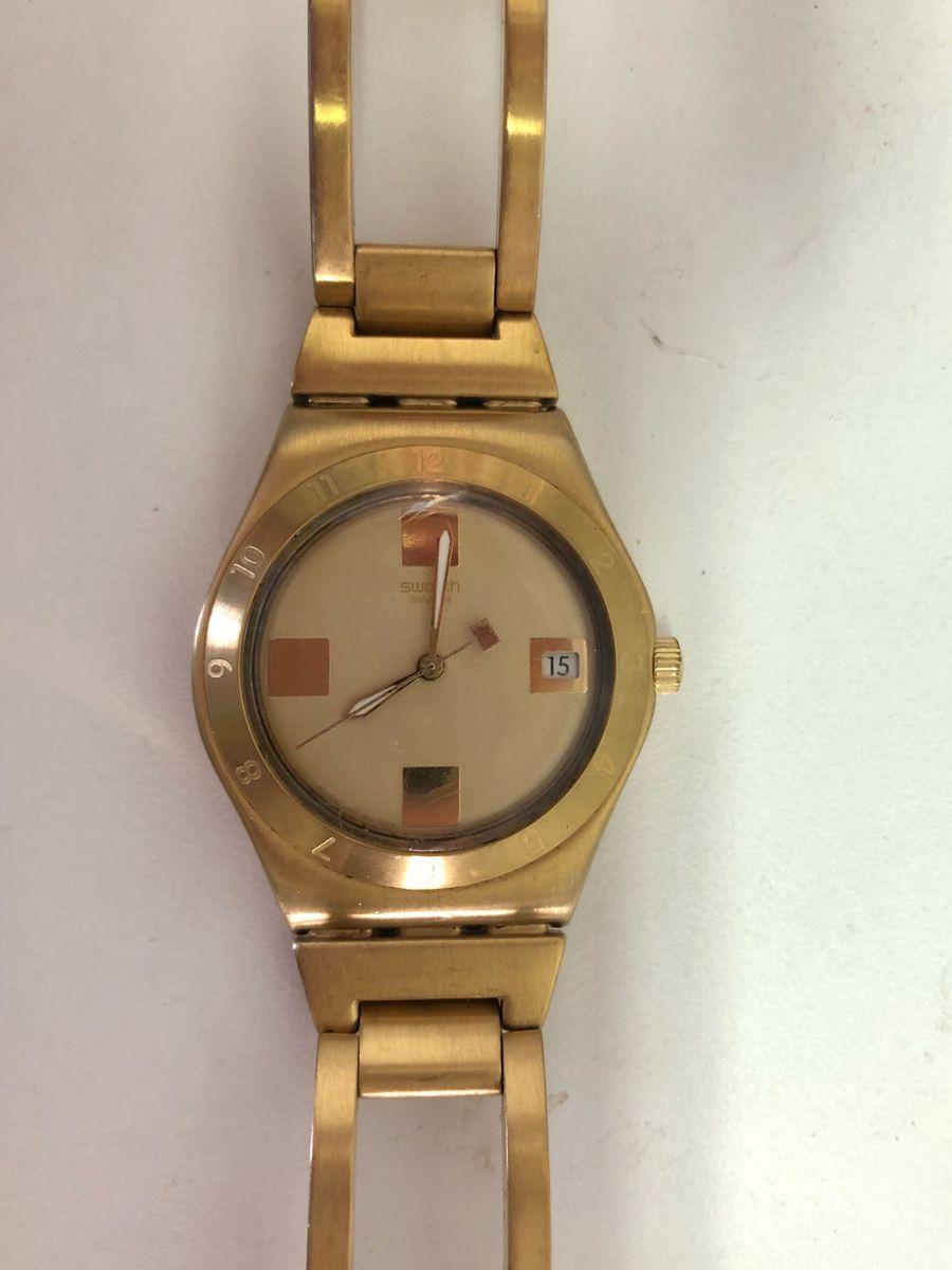 5181c2643f3 relógio swatch dourado feminino semi-novo - relógios swatch