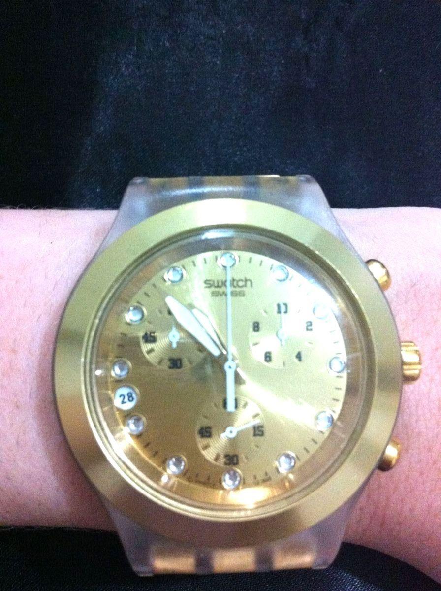 a118f13c054 dourado - relógios swatch.  Czm6ly9wag90b3muzw5qb2vplmnvbs5ici9wcm9kdwn0cy82mjk1nc85zgjknduwmtu0y2y3owq1mtuwytjmoduyndq0mdfjmi5qcgc  ...