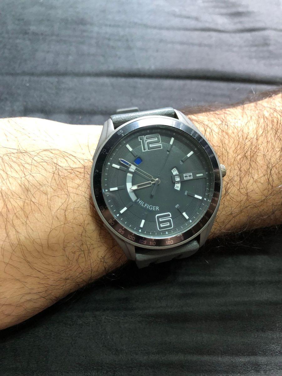 4fc242b6085 relógio tommy pulseira cinza - relógios tommy-hilfiger