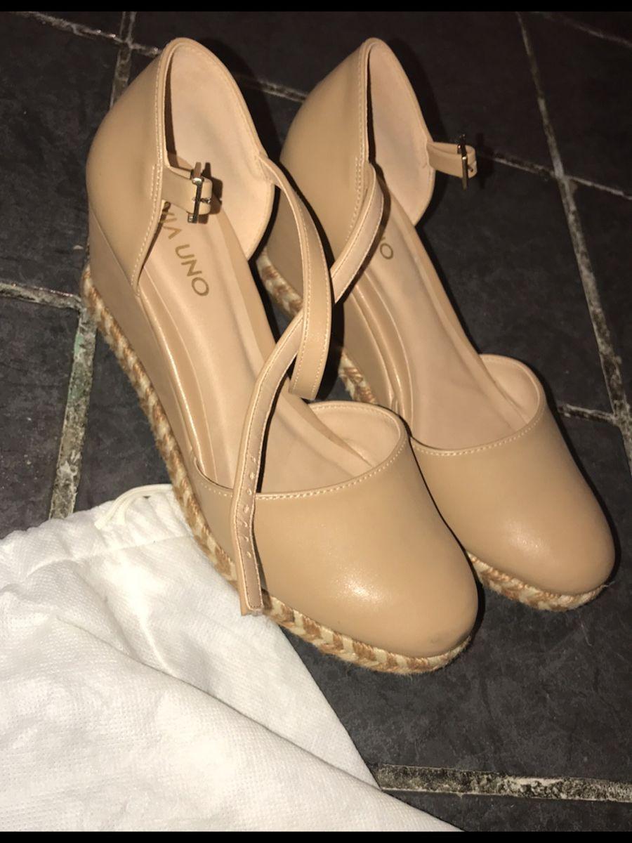 c53cf92e2 ... nude básico arezzo via uno - sapatos arezzo.  Czm6ly9wag90b3muzw5qb2vplmnvbs5ici9wcm9kdwn0cy8xmta0njuzmc8xnjiyzwm4mgi2yzy5mzizmzu5mdyxogizzdy3nwrhmy5qcgc
