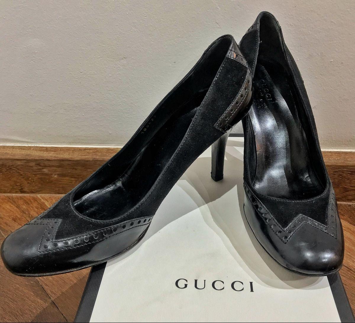 0ec44c3b1 salto gucci original - sapatos gucci.  Czm6ly9wag90b3muzw5qb2vplmnvbs5ici9wcm9kdwn0cy8xmdg4ndk0ms82m2q0y2viztkzyji1mtu2zdawmzuwzde5mmyzodrkoc5qcgc