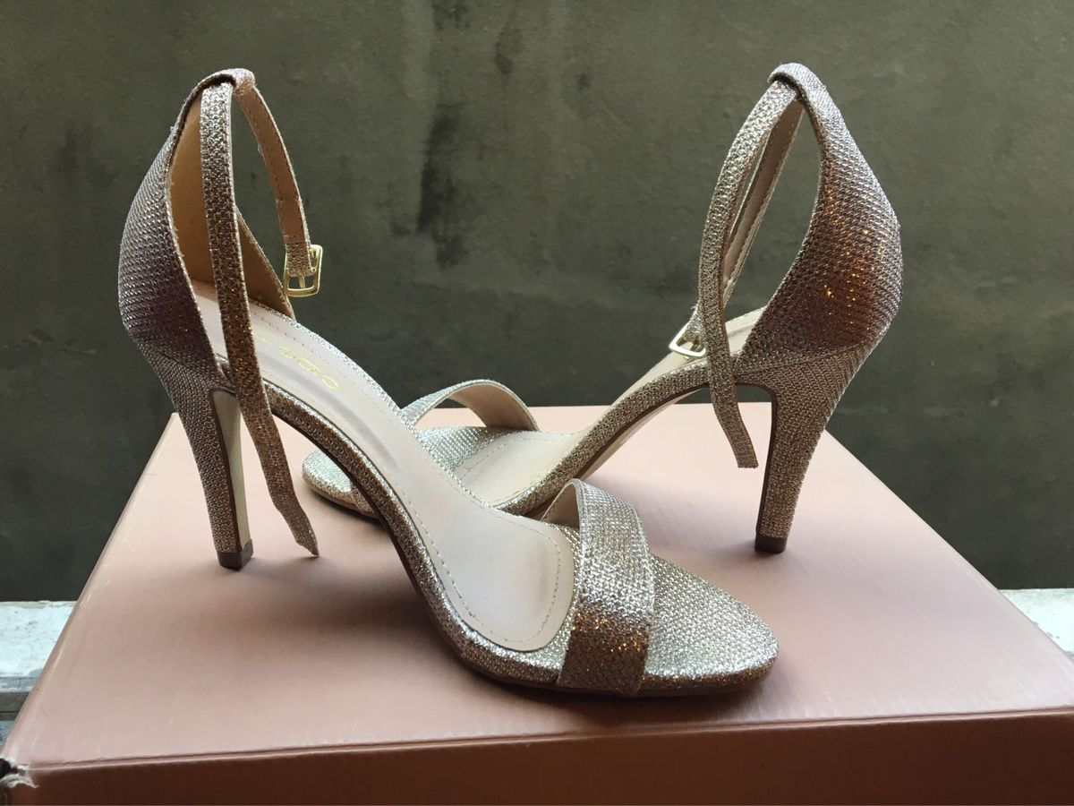 2e2999f08 sandalaria dourada prego 35 - sandálias prego.  Czm6ly9wag90b3muzw5qb2vplmnvbs5ici9wcm9kdwn0cy8xmjc3ntuvyze3ytc3zmzjnwzmmwq3ytrhmjlmy2i1mwe1ymu0n2euanbn