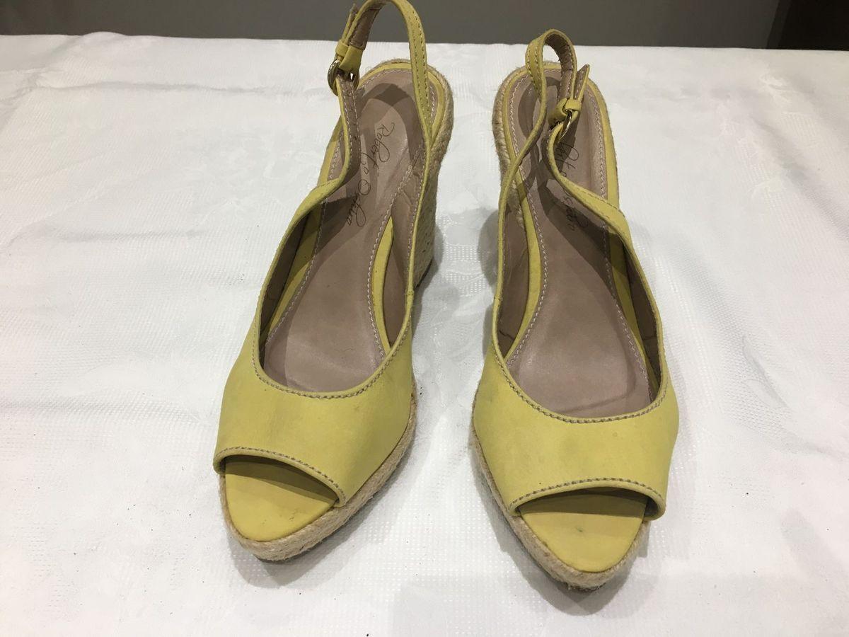 d7072b79cb sandália anabela amarela - sandálias roberto oshiro