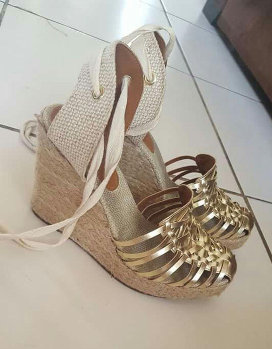 sandalia anabela dourada linda!!! - sandálias oneself