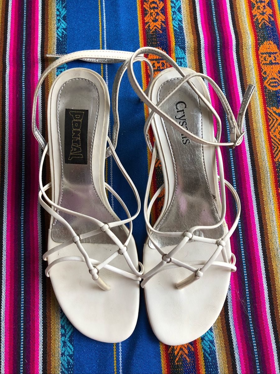 50ddfd4924 sandália branca - sandálias crysalis.  Czm6ly9wag90b3muzw5qb2vplmnvbs5ici9wcm9kdwn0cy80nza4odk0l2jlzju1njnjmgnhmda0zdg2nmi4ytg5ymqwzjuwnjuxlmpwzw  ...