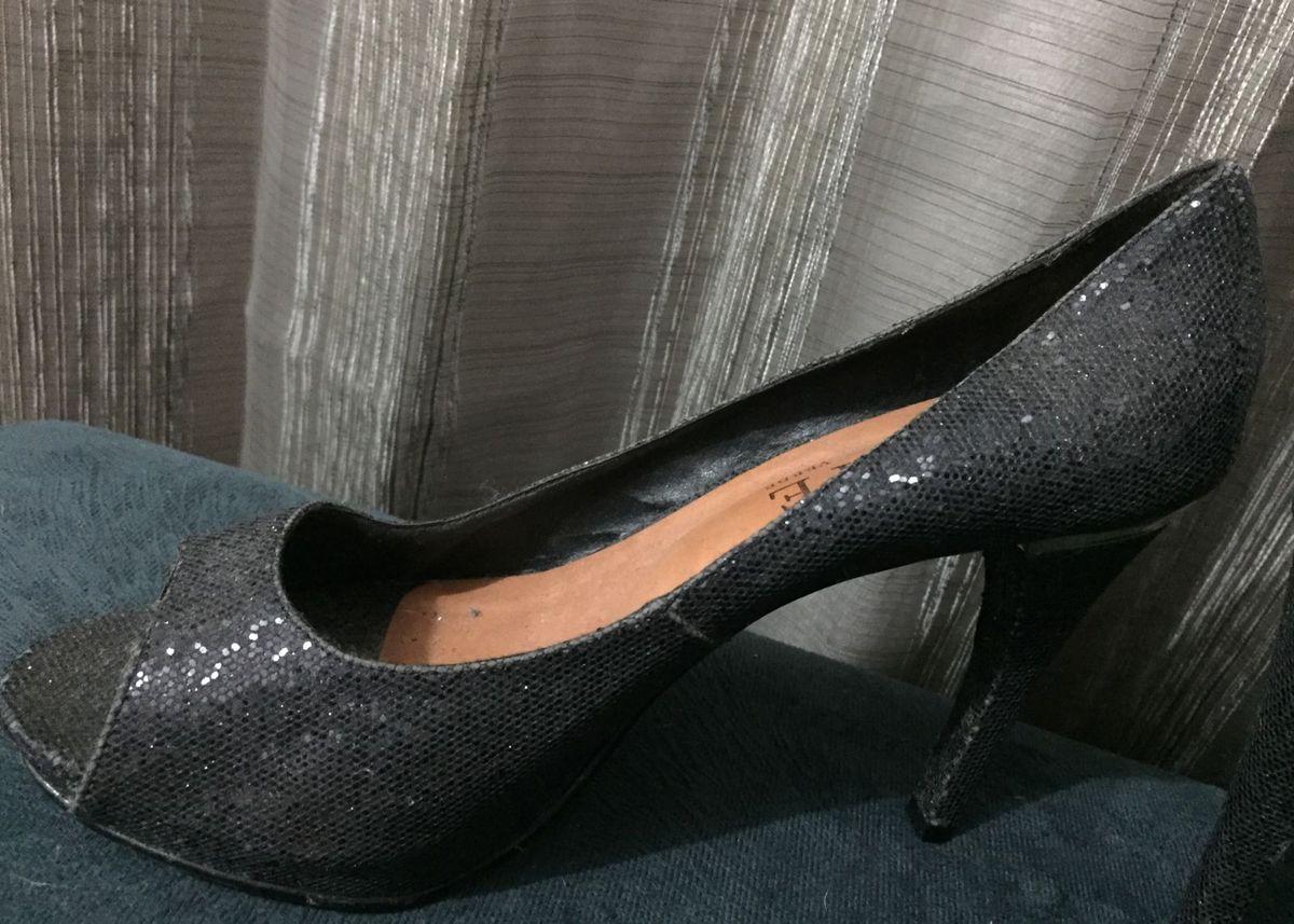 9c17cb15ab sandalia brilhante preta - botas sem marca.  Czm6ly9wag90b3muzw5qb2vplmnvbs5ici9wcm9kdwn0cy81nda2odazl2vmmjgwowflotm2otawztqymgi4m2e0zdczm2q3nzuzlmpwzw  ...