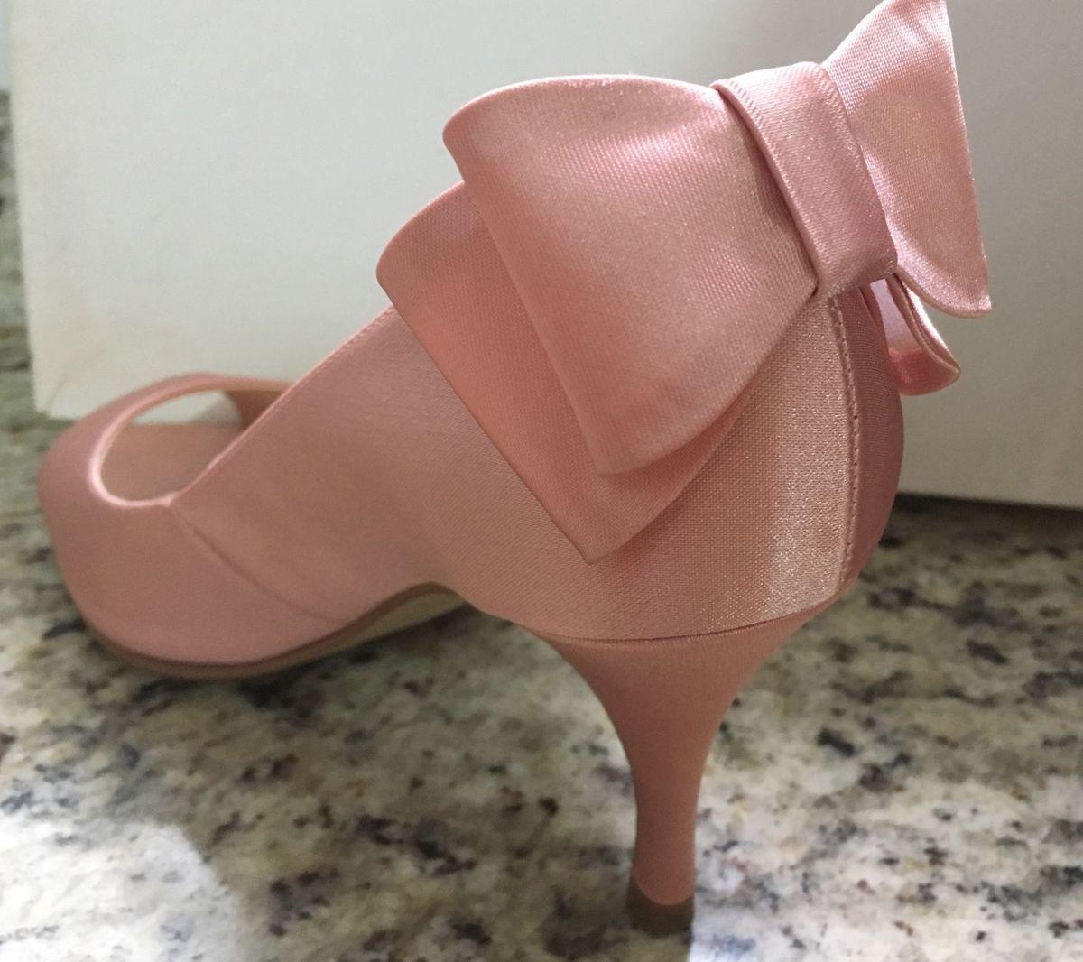 e8f6b2a908 sandalia cetim rose - sandálias carbonilla.  Czm6ly9wag90b3muzw5qb2vplmnvbs5ici9wcm9kdwn0cy83ode0nzixlzfjzmnlyjzmyjm1ntc3mjdjnzawzgjmywm1mgi2mthjlmpwzw