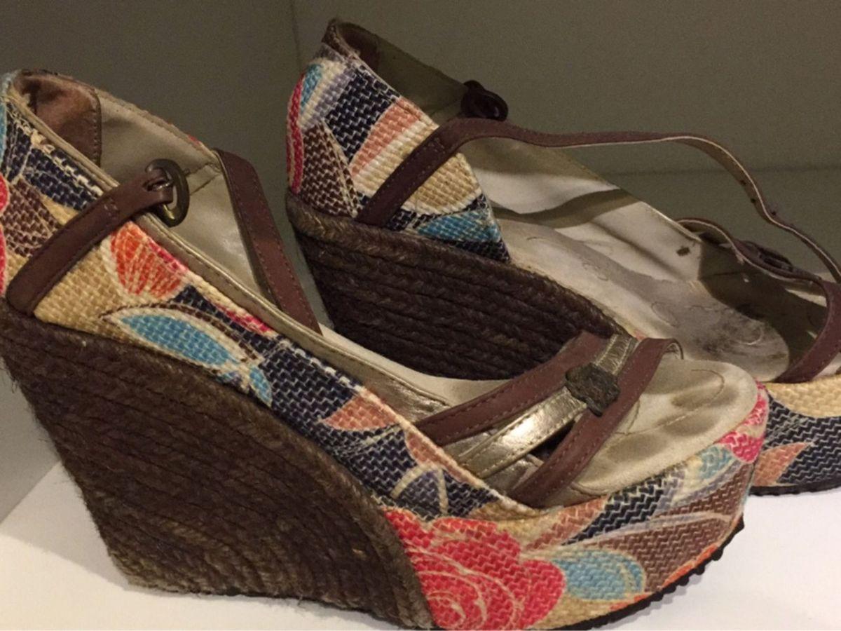 a407cb9133 sandália corda marrom goofy - sandálias goofy.  Czm6ly9wag90b3muzw5qb2vplmnvbs5ici9wcm9kdwn0cy82odq5ndc1lzhindu2yjvimzzjmty0zwmznzm0yzqwzjy4mgjhyti0lmpwzw  ...