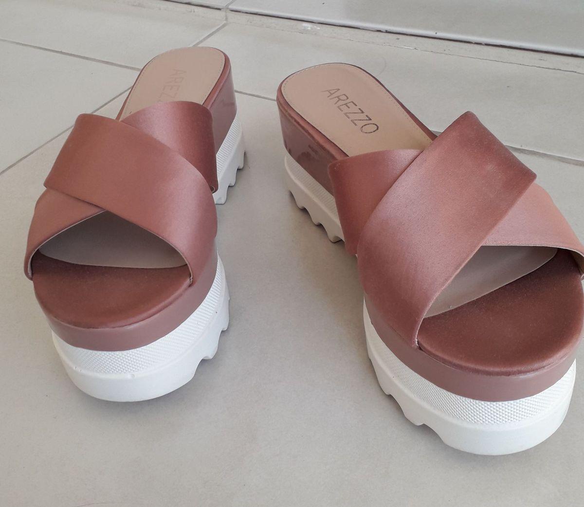f1c0cead70 sandália estilo tamanco plataforma - sandálias arezzo