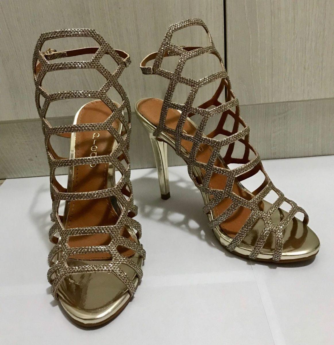 e5c87f06e sandália gladiadora dourada - sandálias prego.  Czm6ly9wag90b3muzw5qb2vplmnvbs5ici9wcm9kdwn0cy85nzc4mda1lzrlntgyzgeynjjhnjblmgzinjkyytg0ywjjnjkyzwq5lmpwzw