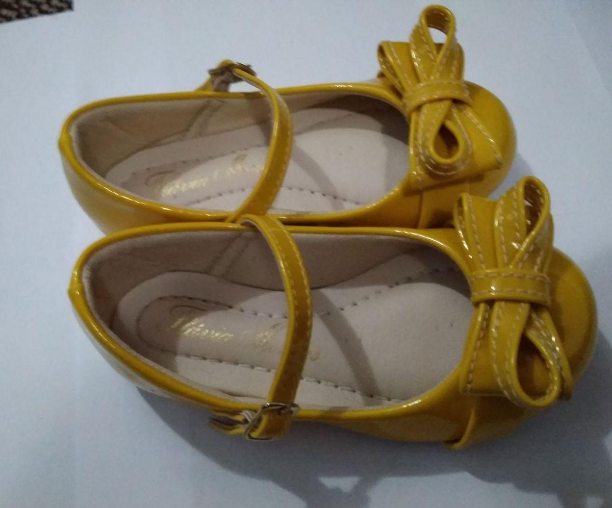 a03f9ab4ff3 sapatilha amarela - menina flávia mendes.  Czm6ly9wag90b3muzw5qb2vplmnvbs5ici9wcm9kdwn0cy84ntk5ndazlze3n2e2zju4zgrimtczndg0yzjhnmqzndhjnzgwngzhlmpwzw  ...