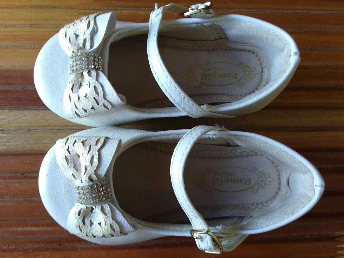 6faf1d6b6b sapatilha bailarina branca - menina pampili.  Czm6ly9wag90b3muzw5qb2vplmnvbs5ici9wcm9kdwn0cy82mji5nti4lzfmmjawzjm2mtc1zjk5yju4mwizmjfhyty5yzyxyja2lmpwzw  ...