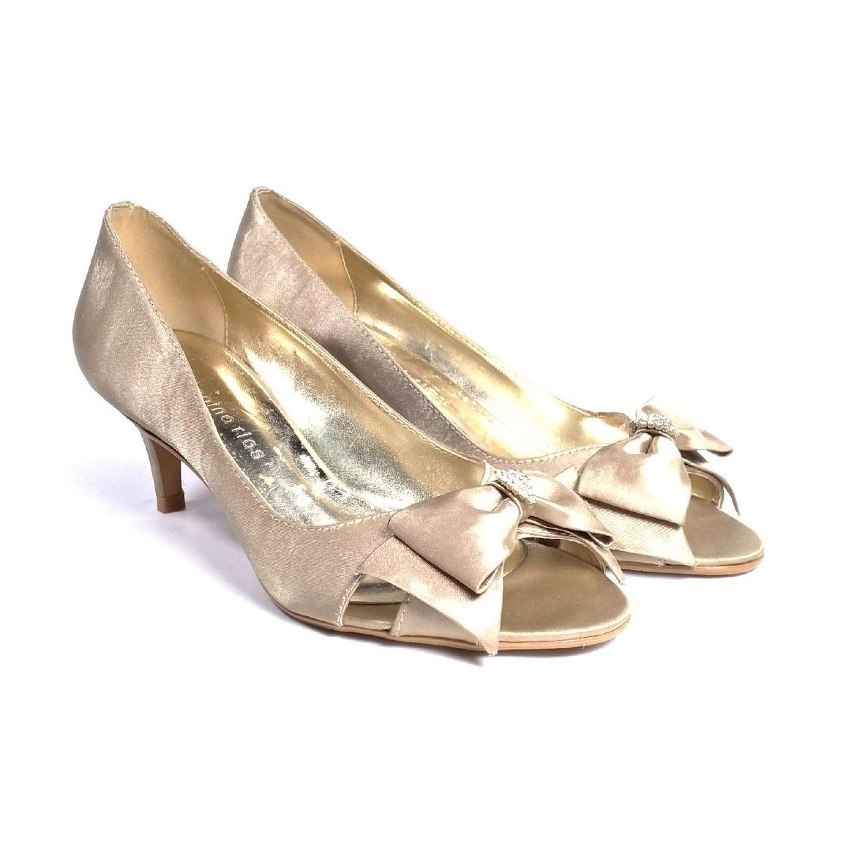 03a62e5d1 Sapato Bege Laço | Sandália Feminina Regina Rios Usado 33688181 | enjoei