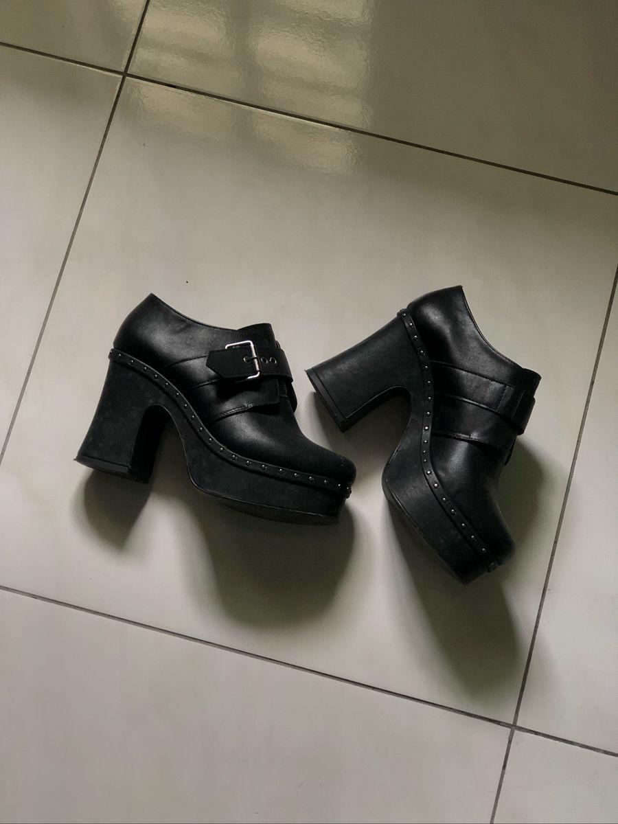 b00b40e430 Sapato Boneca Gótico, Estilo Gringas   Sapato Feminino Usado ...
