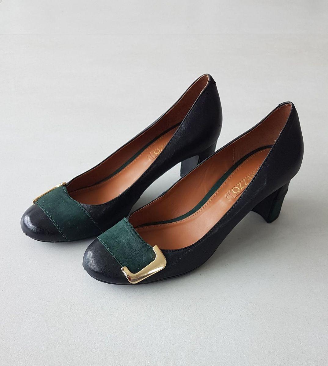 sapato com detalhe em camurça - sapatos arezzo