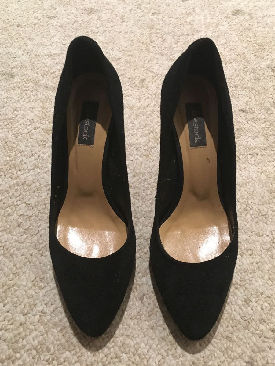42c00f2164 Sapato Fechado Preto Salto Médio   Sapato Feminino Shoestock Usado ...