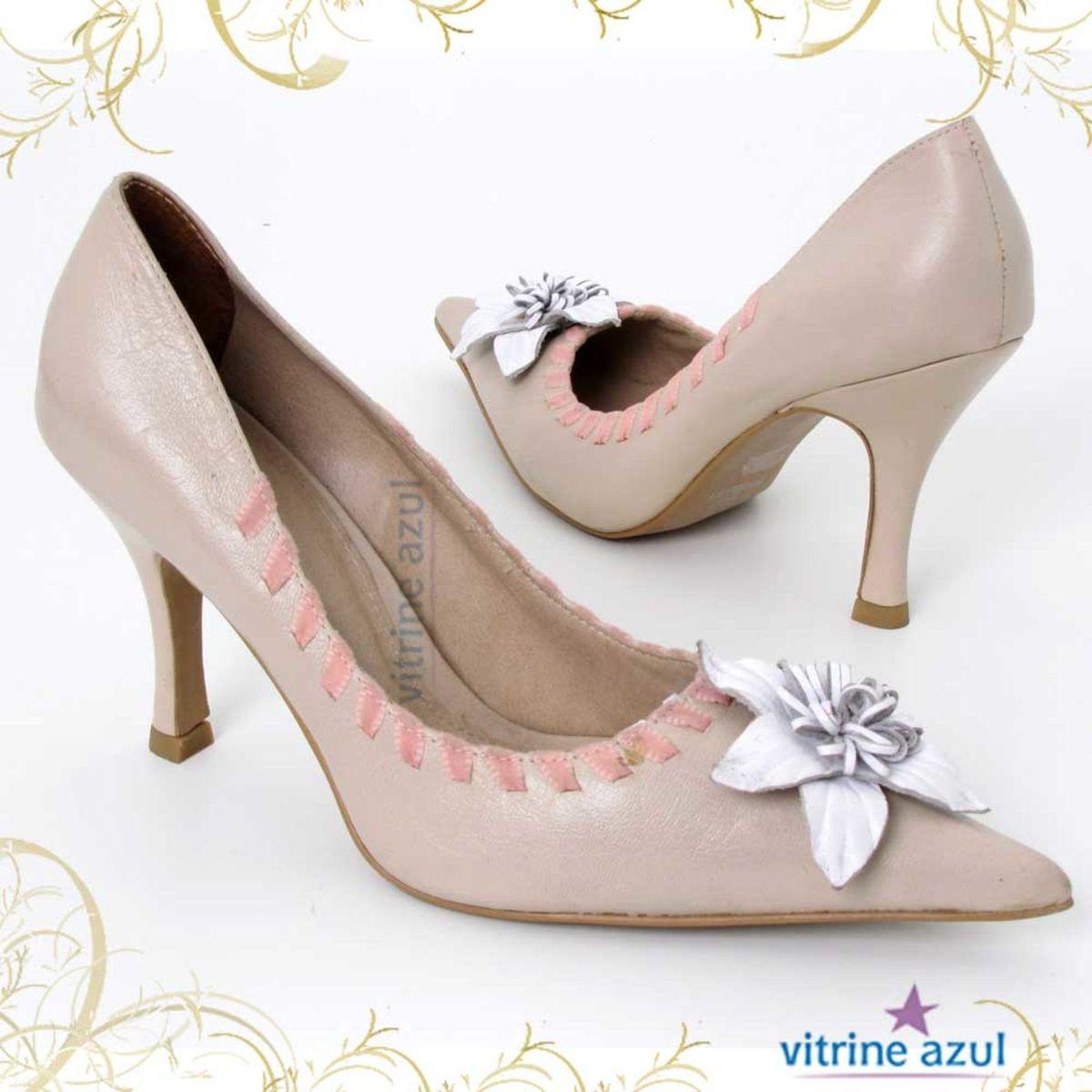 3dfdb2b5b7 Sapato Flor Branca da Paz