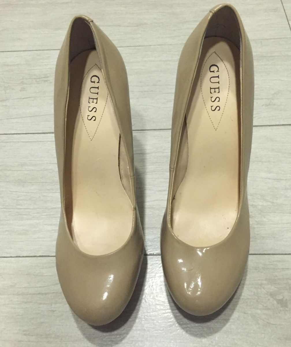 sapato guess - sapatos guess.  Czm6ly9wag90b3muzw5qb2vplmnvbs5ici9wcm9kdwn0cy82mdg3ntyylzzlnzazywjmogzky2e3mjk3njqwoda1ytiwnmrintbhlmpwzw  ... d5416ae336