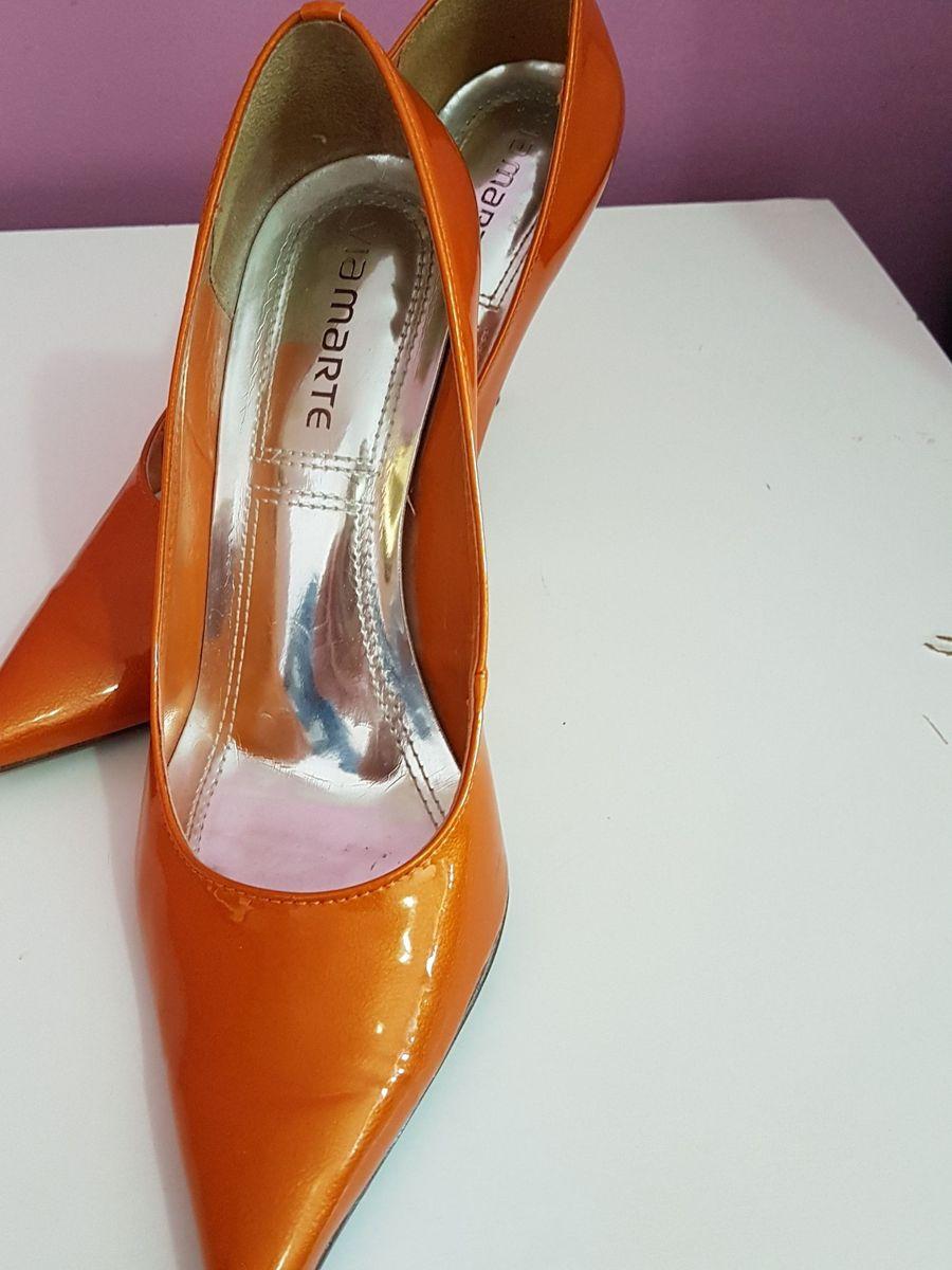3f7ead92d0 sapato laranja - sapatos viamarte.  Czm6ly9wag90b3muzw5qb2vplmnvbs5ici9wcm9kdwn0cy83ntkyntuyl2m0yzvmowzmymvmogmyzjnjzja2odi5m2m1nmnkmgqxlmpwzw