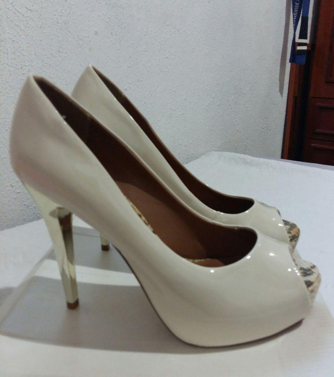 26de67e8b4 sapato noiva - sapatos rosamango.  Czm6ly9wag90b3muzw5qb2vplmnvbs5ici9wcm9kdwn0cy8xnjiymjyvogzjmme1mthmngizmgm5zwq0mjuwmjzmmjvky2u5nmiuanbn