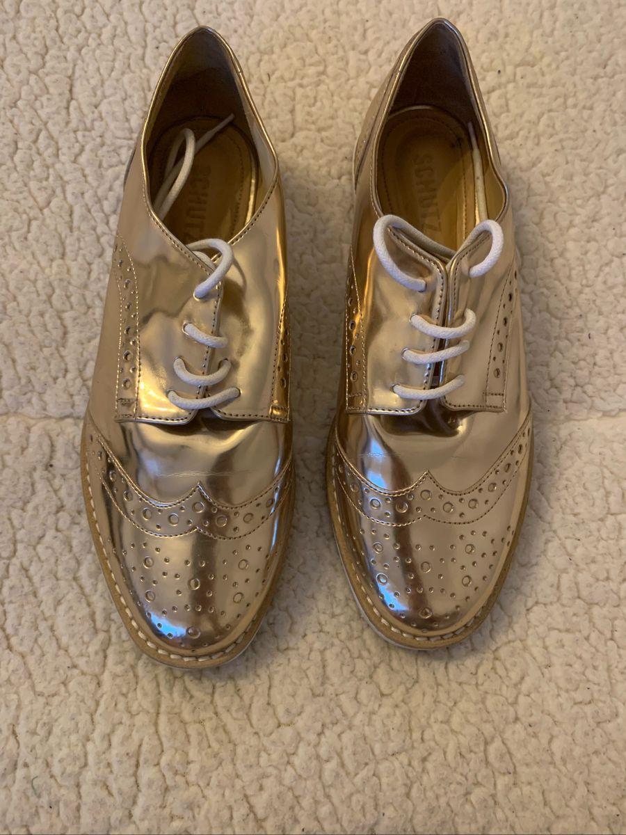 85527ee99 Sapato Oxford Dourado Couro Schutz   Sapato Feminino Schutz Usado ...