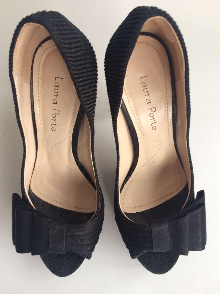 7a966aa945 sapato peep toe laura porto - sapatos laura porto