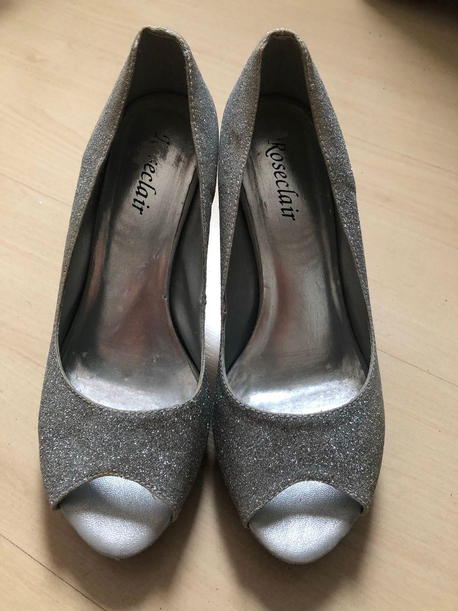 86d675e72 Sapato Peep Toe Meia Pata Prata | Sapato Feminino Roseclair Usado ...