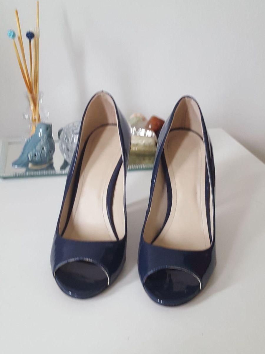 84c1c0065 Sapato Peep Toe Tvz Verniz Azul Marinho | Sapato Feminino Tvz Usado ...