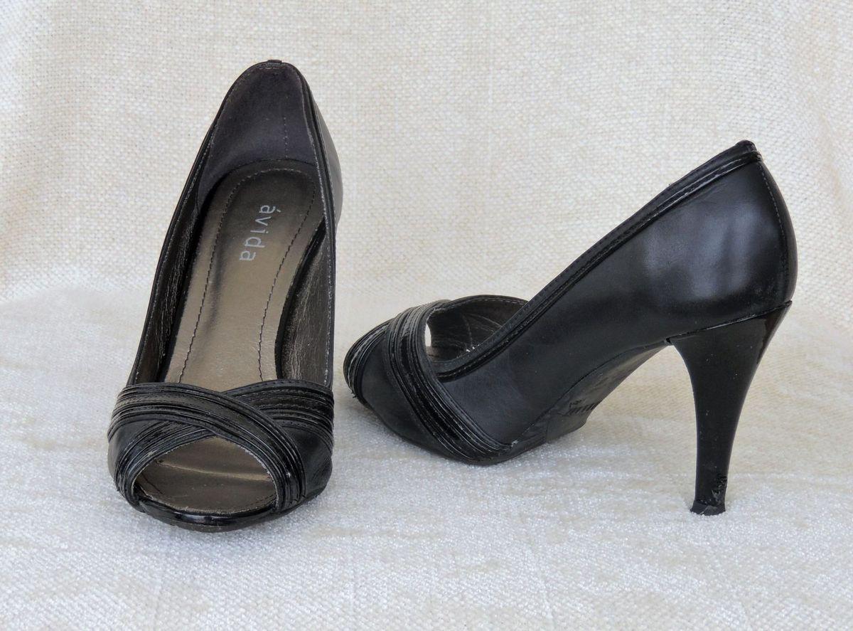 775e1664c3 sapato preto aberto salto alto - sapatos avida.  Czm6ly9wag90b3muzw5qb2vplmnvbs5ici9wcm9kdwn0cy81njiymtazl2i1zgmynda3mde5ndaxotkyywvky2u4nta4ngrjytewlmpwzw