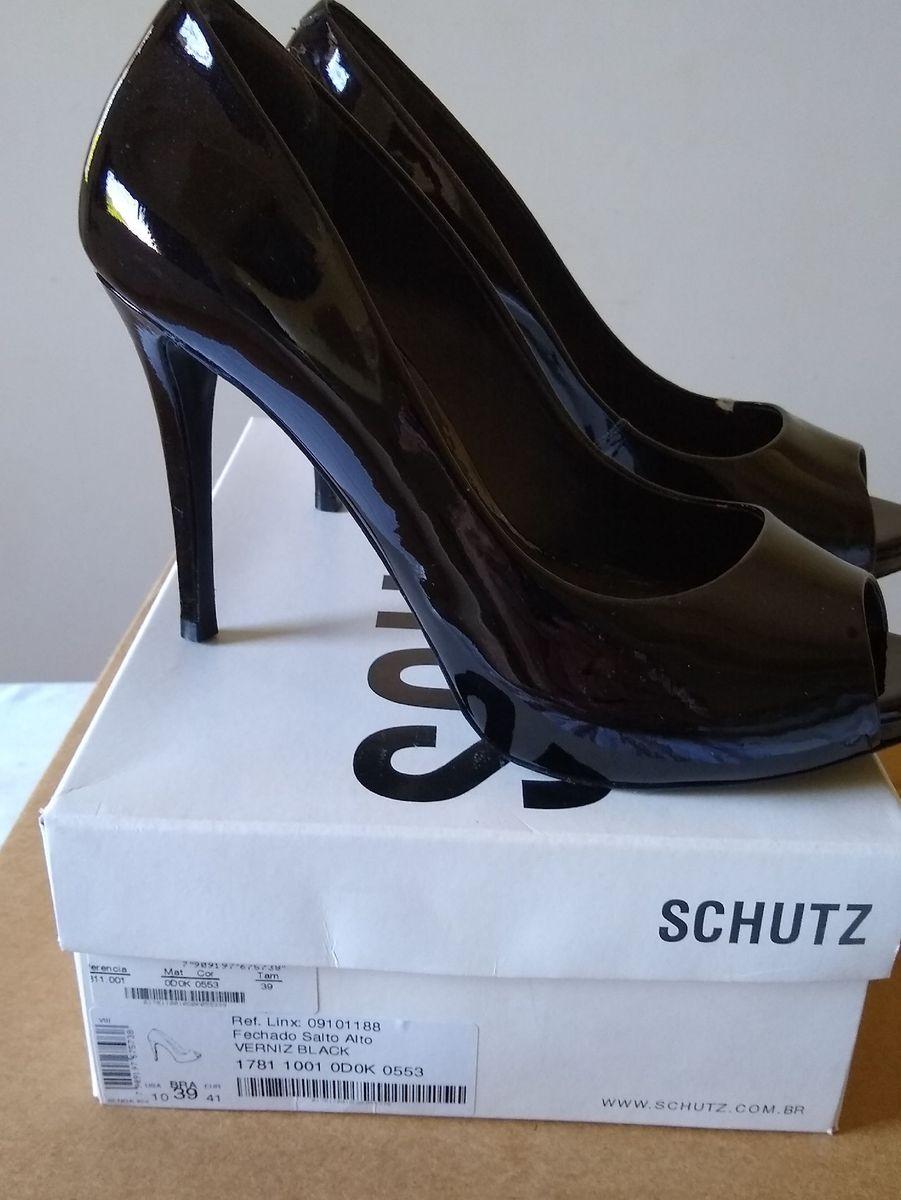 70036547a sapato preto - sapatos schutz.  Czm6ly9wag90b3muzw5qb2vplmnvbs5ici9wcm9kdwn0cy85mjy5njmzlzu4mjqzntg3nje2owe1ywm3mzc1zmy1odbimdbjowy1lmpwzw  ...