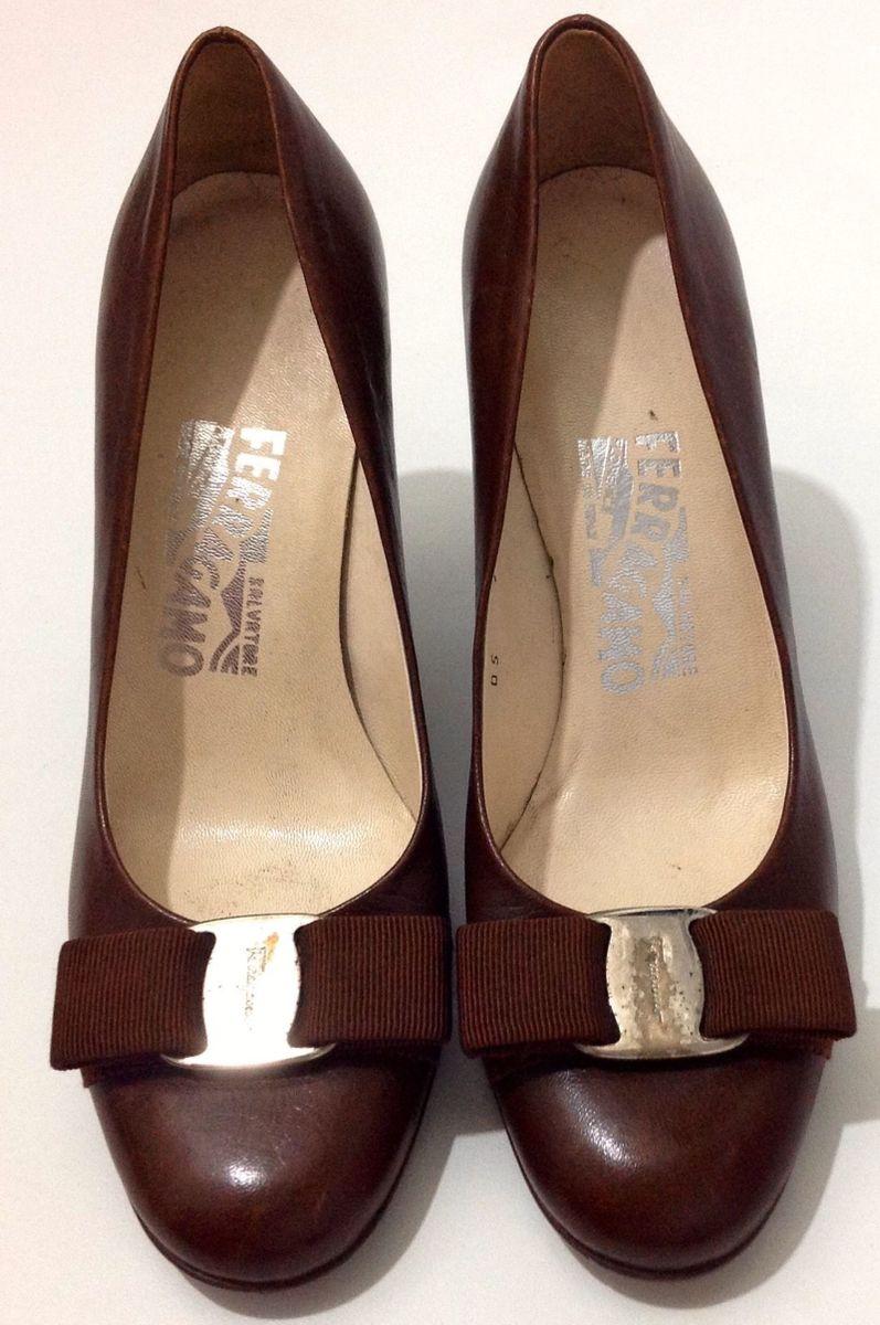 sapatos salvatore-ferragamo.  Czm6ly9wag90b3muzw5qb2vplmnvbs5ici9wcm9kdwn0cy80mjgwmtmvzjlmnwnjmzhhy2mxymjknmjlytmxmja3ndvhndnhn2quanbn  ... 6b66c08dfa