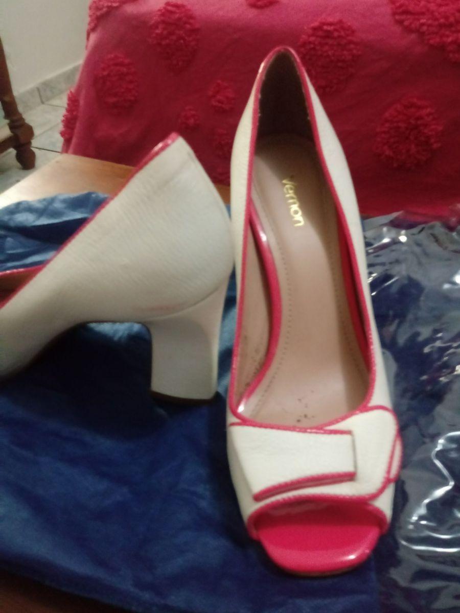 42fa38f43 sapato scarpin salto quadrado branco e rosa pink 9 cms salto confortavel  usado uma unica vez