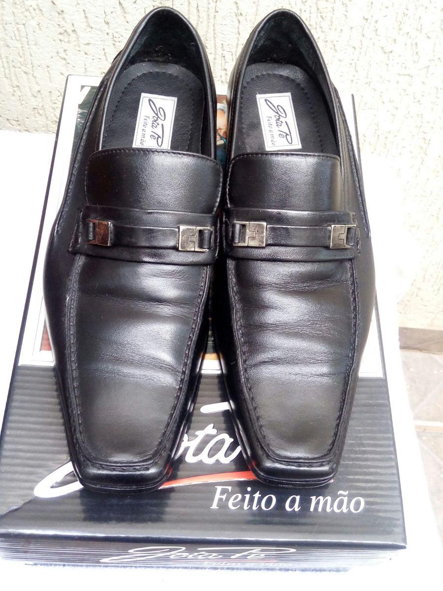 b2e2ce9db5 sapato social clássico jota pe - sapatos jota pe.  Czm6ly9wag90b3muzw5qb2vplmnvbs5ici9wcm9kdwn0cy85mjgzmtkzl2mynjzintc1ywu4zty3otvlmjkxzdfmzji4ymq5mjg0lmpwzw