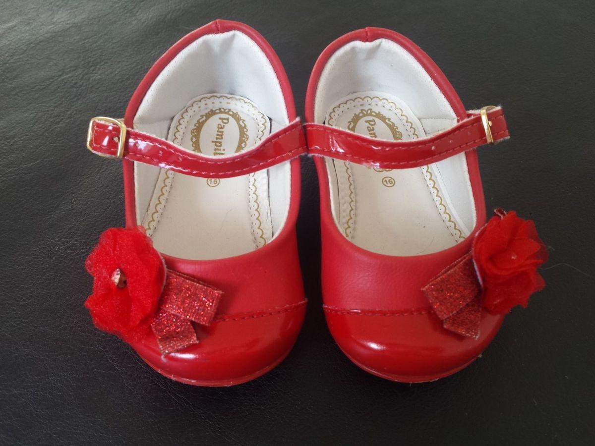 cb6156e84 sapato vermelho da pampili - bebê pampili.  Czm6ly9wag90b3muzw5qb2vplmnvbs5ici9wcm9kdwn0cy81njiynzcvmdy5ywy2mmm3nme0nzayymflzjhmzjnhnja2zmy5n2quanbn