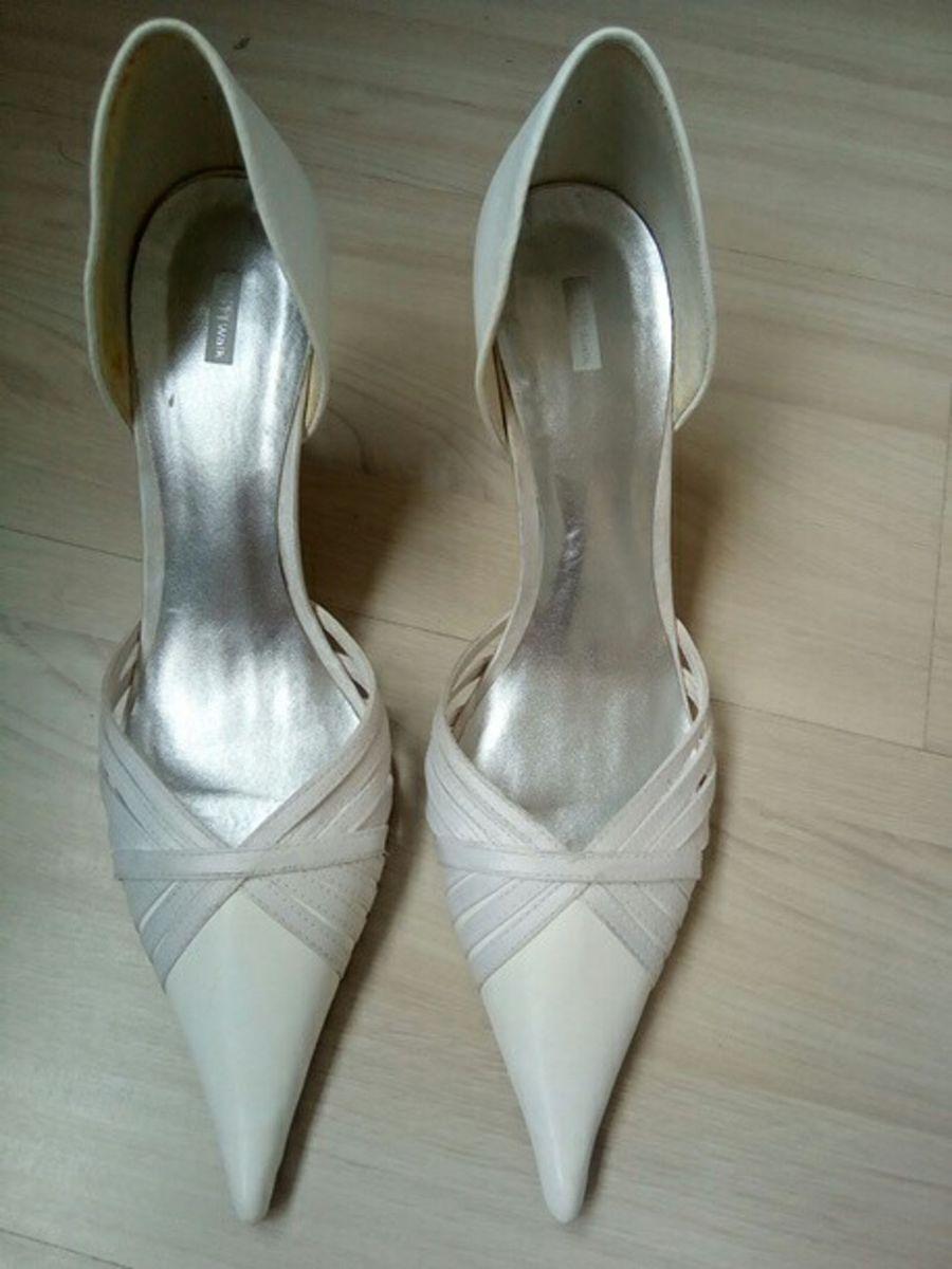 9f7f30df7 scarpin branco noiva - tam 35 - sapatos happy-walk.  Czm6ly9wag90b3muzw5qb2vplmnvbs5ici9wcm9kdwn0cy81mze3mzkvndbhotqwmtljzdhkyjc0oty3yzi3mzu1yza1ndlmnwiuanbn