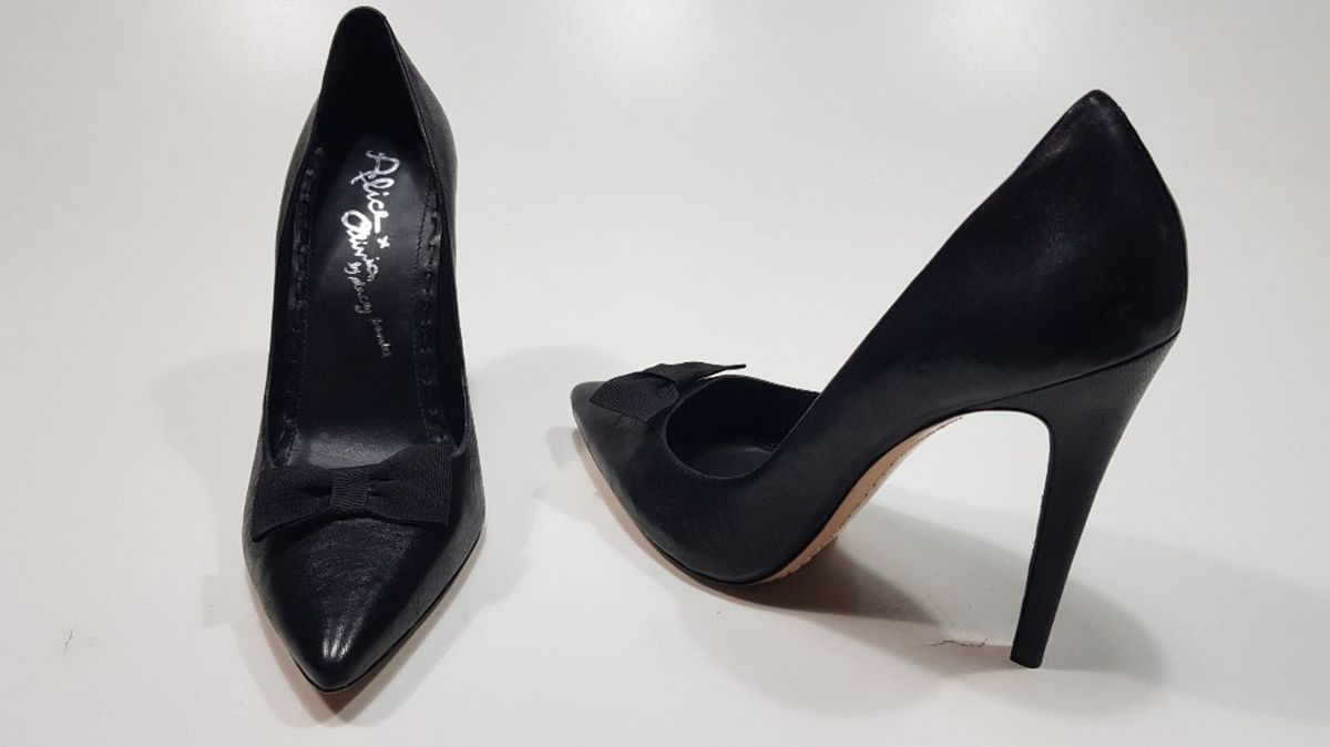 0d048e153f scarpin de grife alice + olivia by stacey bendet couro c755 - sapatos alice  + olivia
