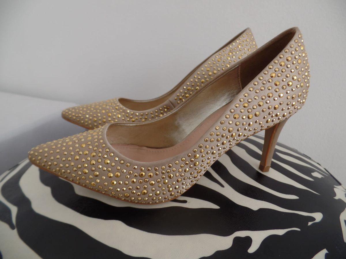 18a133165 Scarpin Nude Pedrinhas Douradas | Sapato Feminino Stiletto Nunca ...