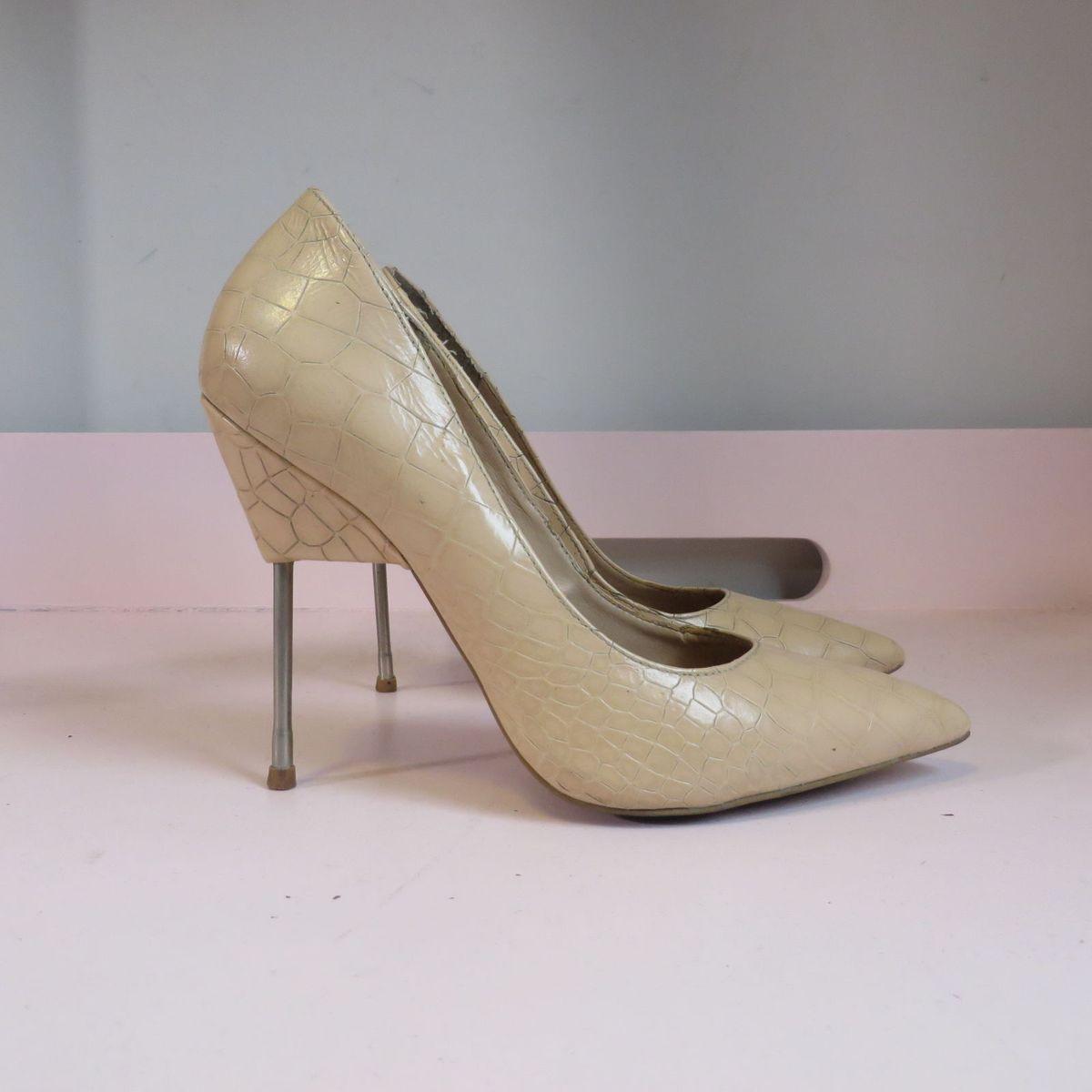 f837f6abc Scarpin Nude Santa Lolla | Sapato Feminino Santa Lolla Usado 23934418 |  enjoei