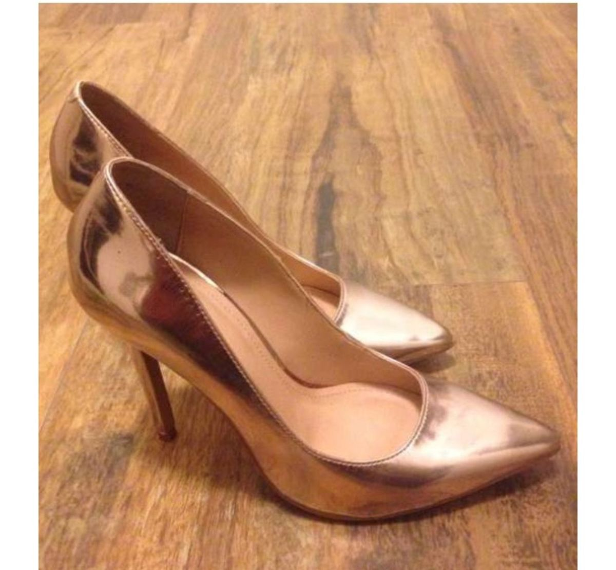 cb648d39b9 scarpin ouro rose! puro luxo! - sapatos my shoes.  Czm6ly9wag90b3muzw5qb2vplmnvbs5ici9wcm9kdwn0cy80nzc4mzexlznjotgzmweymzqymwrmzwfmmzi4ymuyzje0owzkyzljlmpwzw