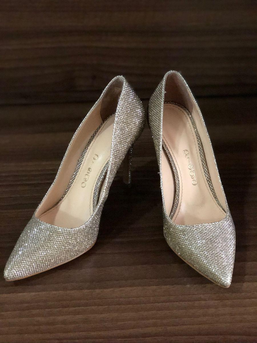 d8bdfe4e8f scarpin ouro velho - sapatos prego.  Czm6ly9wag90b3muzw5qb2vplmnvbs5ici9wcm9kdwn0cy8zmjgwodyvyjg0nwexnmzmnzaxm2q2zdc1ndgwmjzkzjm5njzknzkuanbn