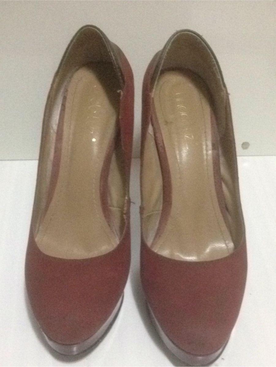 b77add5513 scarpin vinho meia pata semi novo - sapatos linda luz