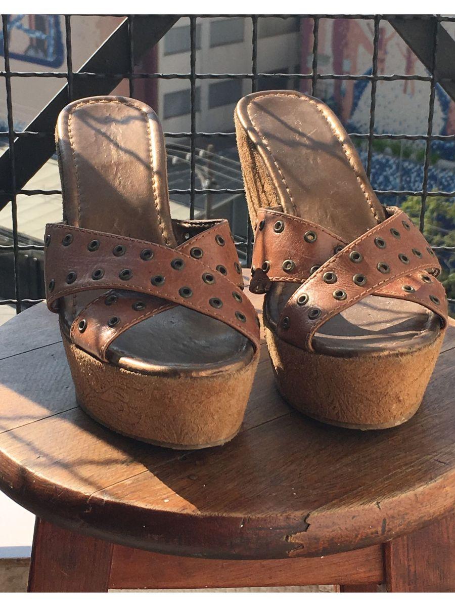 f2f2cb2021 tamanco anabela - sandálias ferruci.  Czm6ly9wag90b3muzw5qb2vplmnvbs5ici9wcm9kdwn0cy83mja3ody0lzjiotk4ngvmyzfmnzyxyjvhmdvmmgrknta4mdbim2u3lmpwzw
