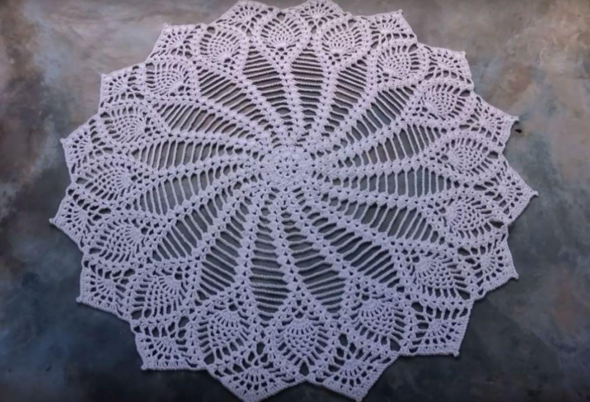df7c404b2 tapete ou caminho de mesa em crochê - decoração ateliê do crochê by cris  dickinson