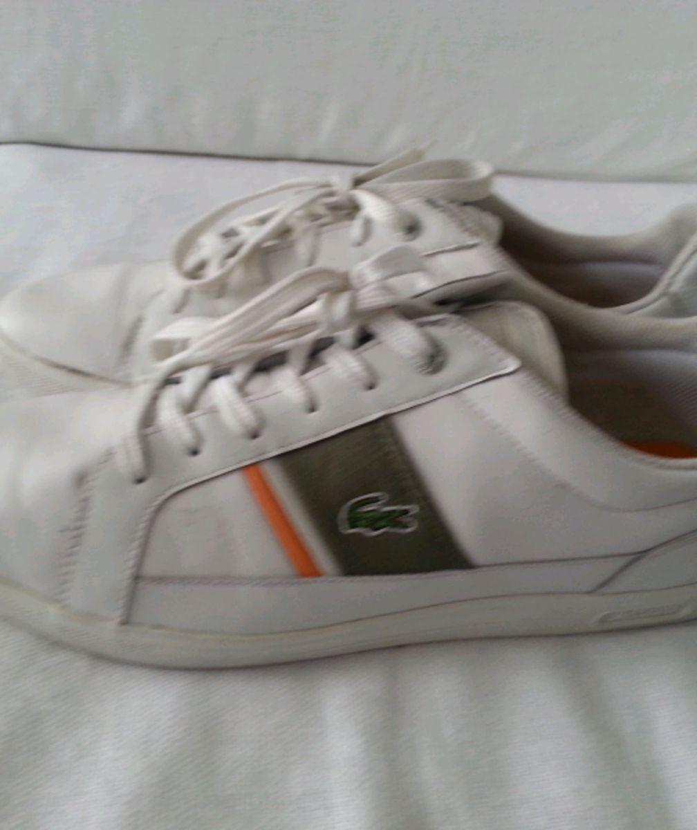 tênis lacoste em couro branco - tênis lacoste.  Czm6ly9wag90b3muzw5qb2vplmnvbs5ici9wcm9kdwn0cy84ndk1mtcvnze5mdnhmzy3njyzmzvkzwi2yty1odg0y2y0yzm2ntguanbn  ... a049e9b20e