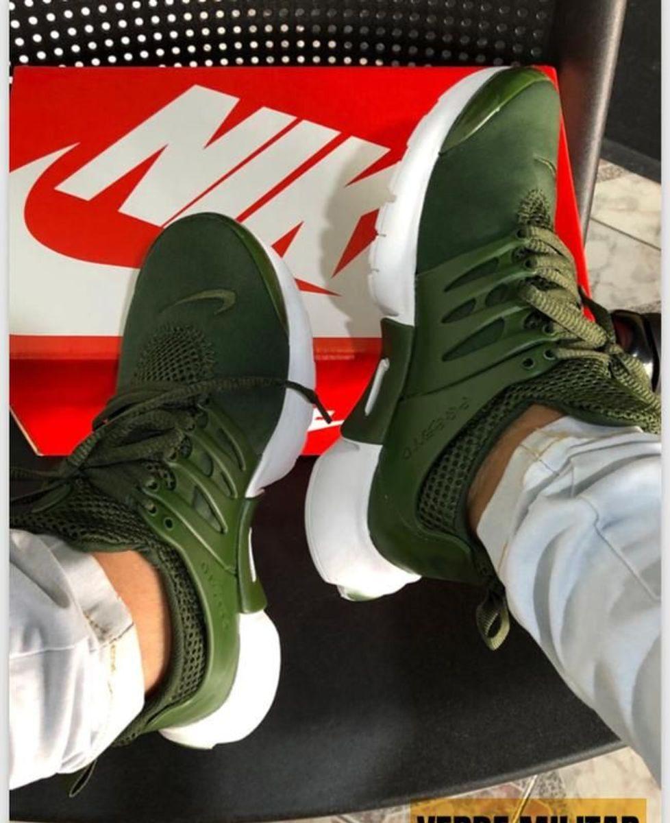 Nike Air Presto vede militare