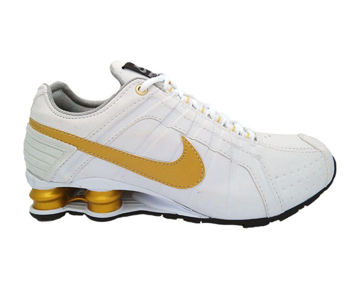 b53d0e80bdb tênis nike shox junior branco e dourado - tênis nike