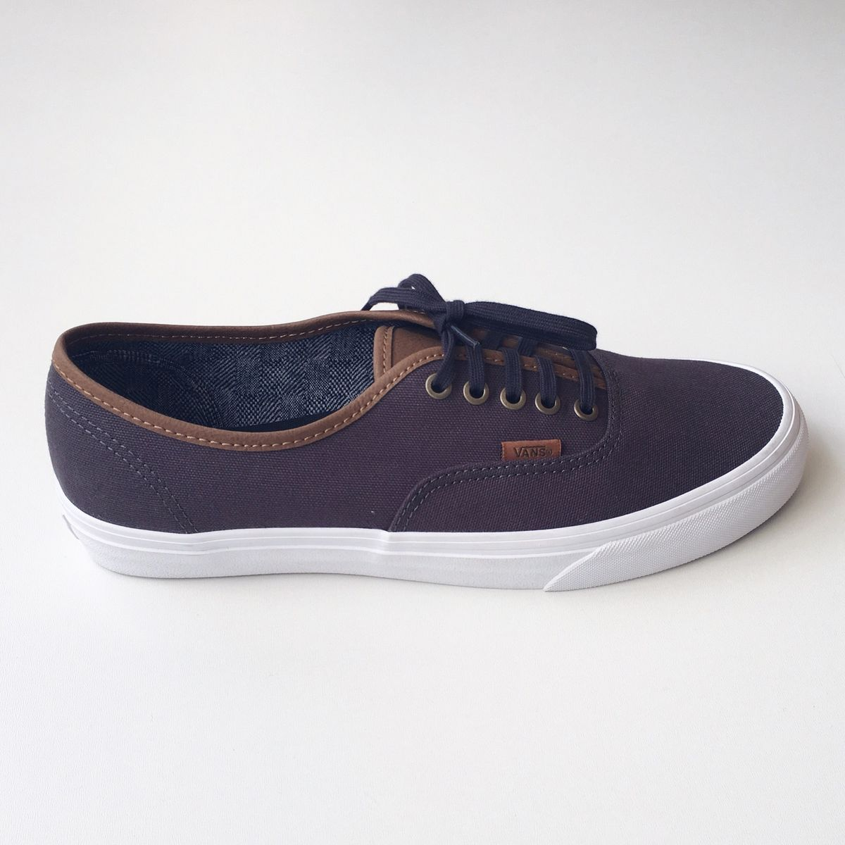 a92a4be69ce Tênis Vans Masculino Authentic