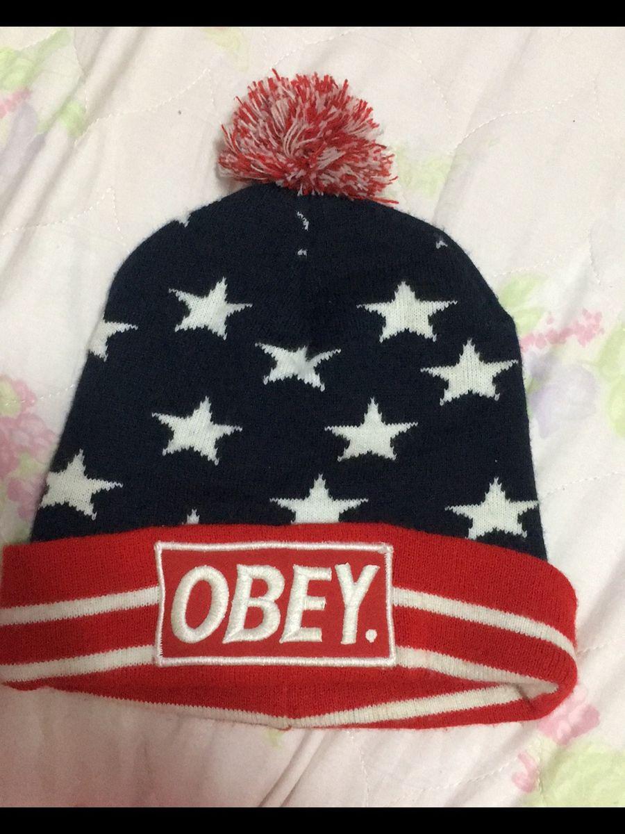 f3aefd1c55abd touca obey - outros obey.  Czm6ly9wag90b3muzw5qb2vplmnvbs5ici9wcm9kdwn0cy85ntgymti5l2vkmtllzdlindexnjhmymmzzjc0mjcwmdk2n2zjyjrllmpwzw  ...