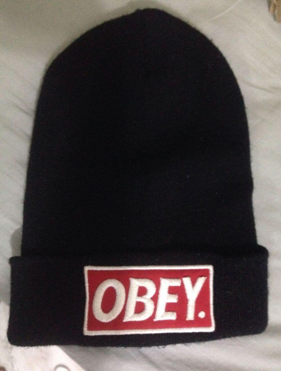 b048bb7292e31 touca preta obey - outros obey.  Czm6ly9wag90b3muzw5qb2vplmnvbs5ici9wcm9kdwn0cy85ndmxnjewlzaymdczyzi4njqwzduynwvizwfhmzzlntgwntnjodhklmpwzw