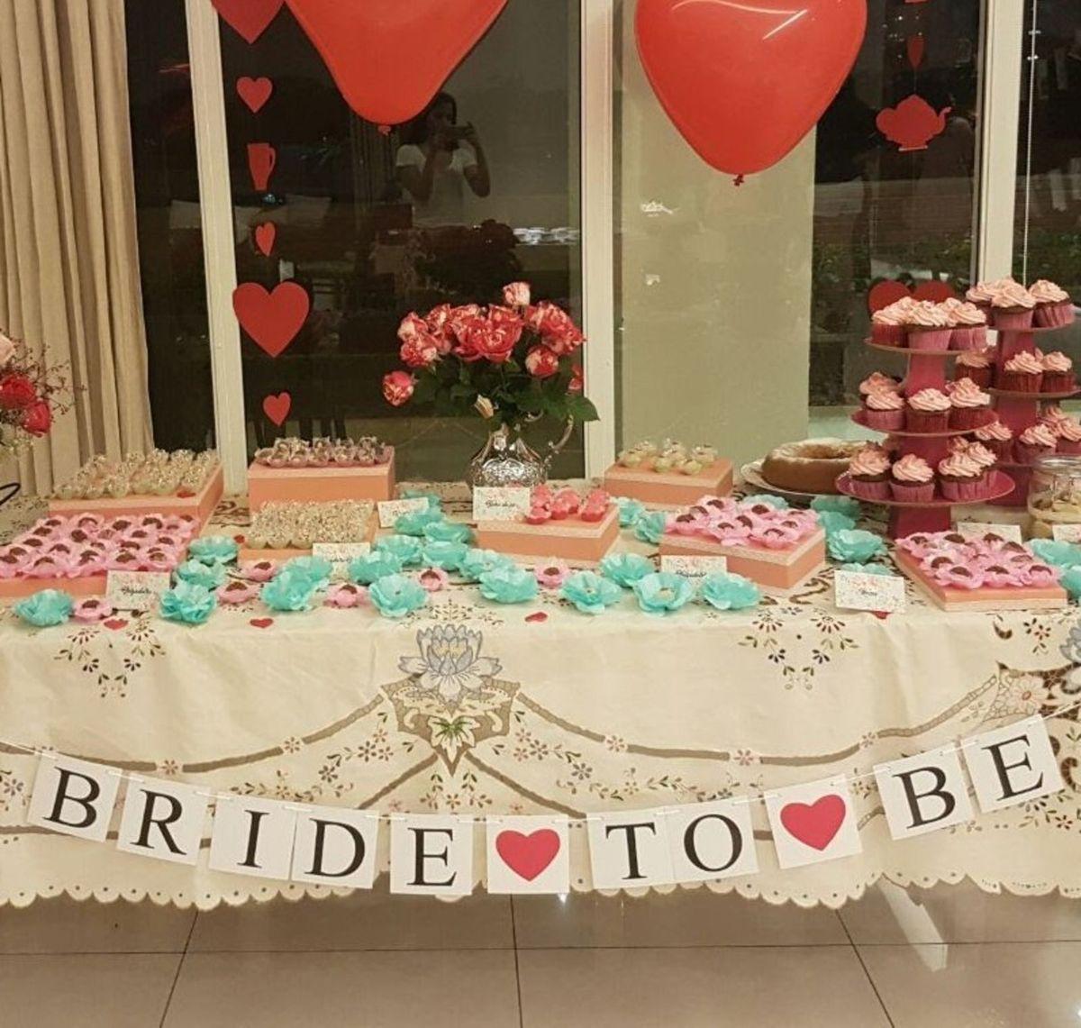 """varal """"bride to be"""" para festa - decoração sem-marca"""